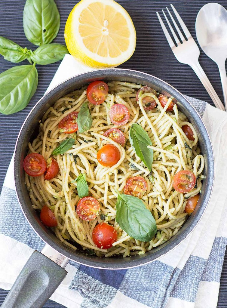 Quick and Creamy Avocado Pasta is ready | hurrythefoodup.com