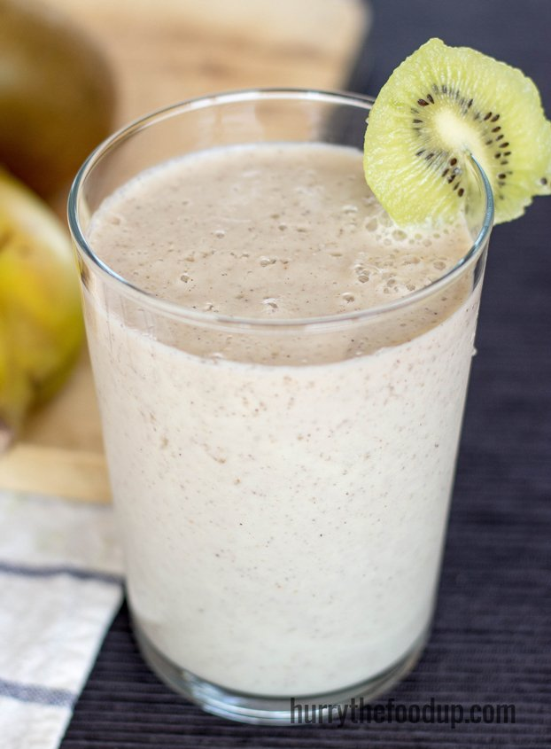 Spicy Kiwi Banana Breakfast Smoothie (3 Min, Vegetarian) - Hurry The ...