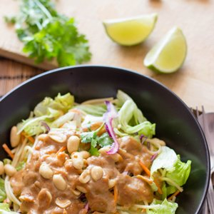 Pasta Salad with Peanut Butter Dressing. So tasty that it has to be tried to be believed. You won't regret this healthy pasta bad boy. Ready in 15 minutes, high in fiber and protein   hurrythefoodup.com