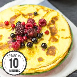 The 2 ingredient Cream Cheese Pancakes. Ready in 10 minutes. #low-carb #pancake| hurrythefoodup.com