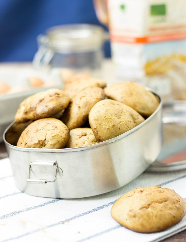 Cream Cheese Cookies. They're just really good. #vegetarian #cookie   hurrythefoodup.com