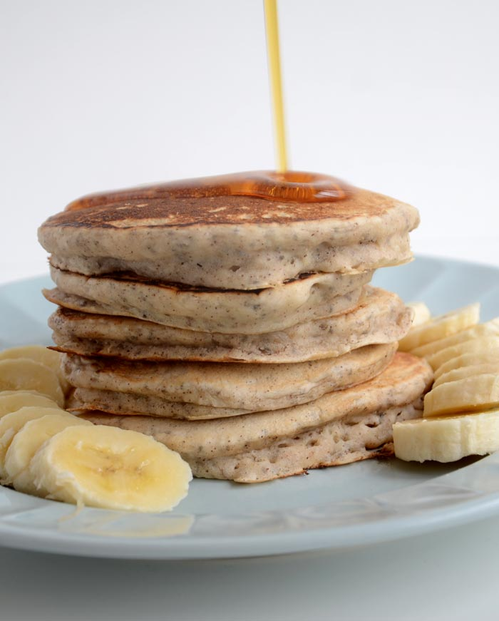 The Definitive Collection of Healthy Vegan Pancakes Recipes #vegan #pancakes | hurrythefoodup.com