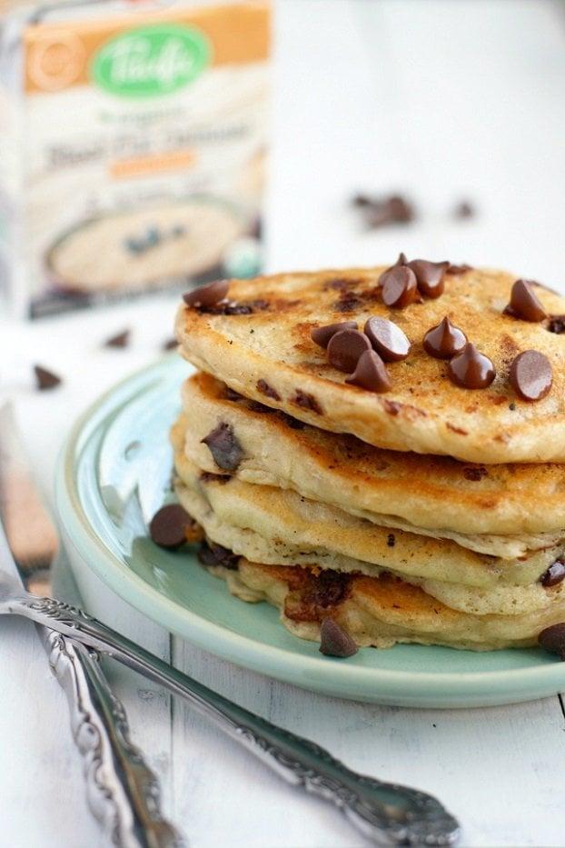 24 Healthy Vegan Pancakes Recipes To Rock Breakfast #vegan #pancakes | hurrythefoodup.com