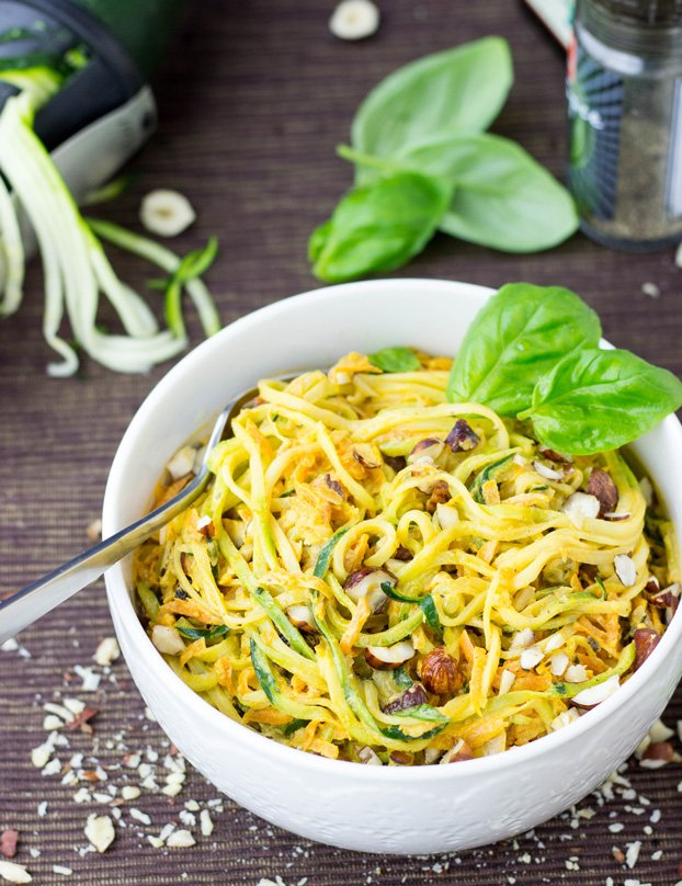 Zucchini Noodles (zoodles) with Exquisite Hazelnut-Carrot Sauce (30 Mins) #zucchini #zoodles #spaghetti #pasta #noodles | hurrythefoodup.com