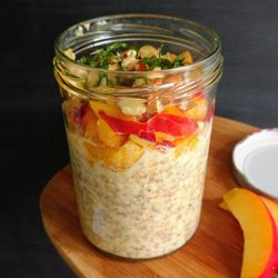 Peachy Blinders Overnight Oats | hurrythefoodup.com