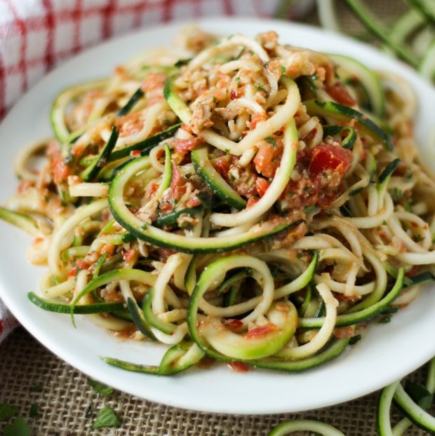28 irresistible and quick zoodle zucchini pasta recipes. Black Bedroom Furniture Sets. Home Design Ideas