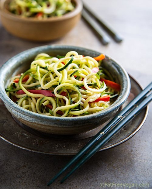 28 Irresistible and Quick Zoodle (Zucchini Pasta) Recipes #zucchini #zoodles #spaghetti #pasta #noodles | hurrythefoodup.com