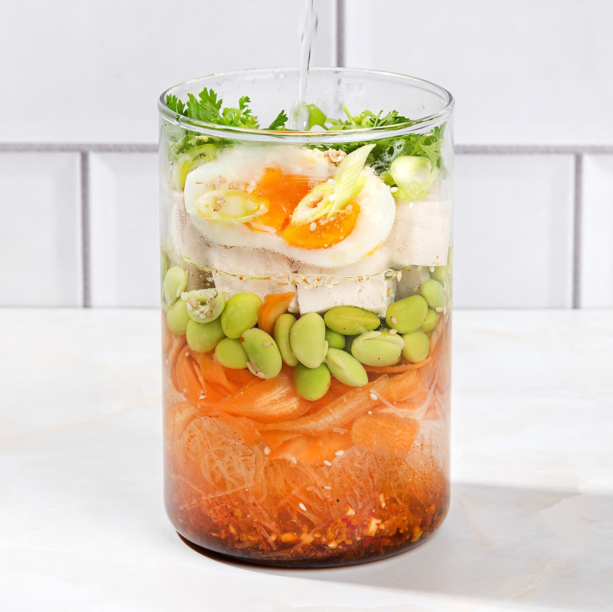 18 Vegetarian Lunch Ideas To Make Your Coworkers Jealous #healthy #vegetarian | hurrythefoodup.com