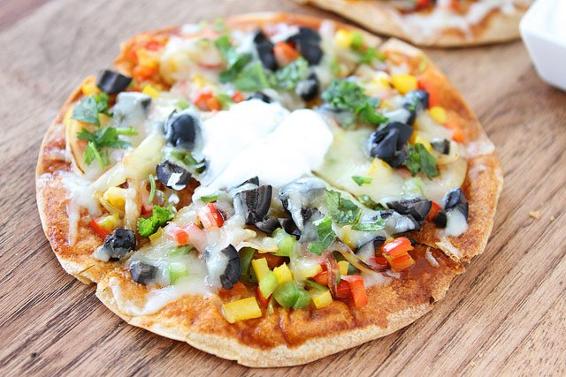18 Badass Quesadilla Recipes (perfect for a quick lunch!) #lunch #vegetarian | hurrythefoodup.com