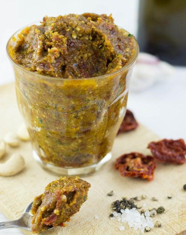 Red Pesto with sun-dried Tomatoes and Basil #vegan #pesto   hurrythefoodup.com