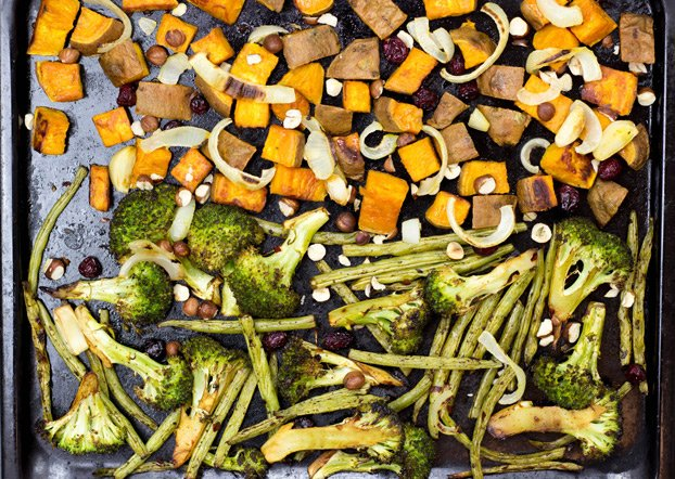 How to Roast Vegetables: Awesome veggie combos that serve as a whole meal, delicious seasonings, dressings, garnish and tasty AF dips - all in one total guide | hurrythefoodup.com