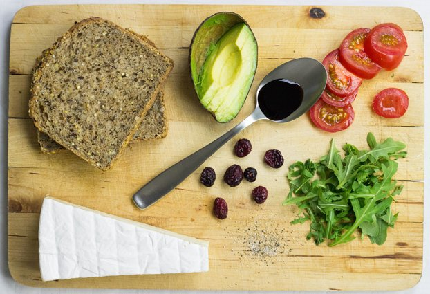 The Ultimate Avocado Sandwich - #vegetarian #healthy | hurrythefoodup.com