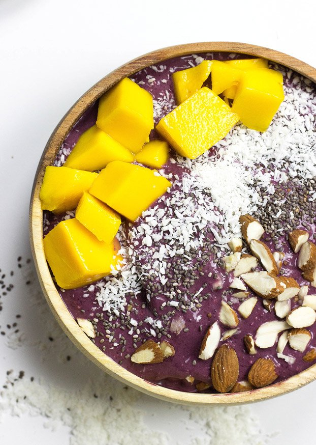 How to make an Acai Bowl + 8 Insanely Creative Recipes! | hurrythefoodup.com