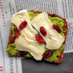 Dazzling Avocado Toast Recipes - No. 1 and 2 are a Must! | hurrythefoodup.com