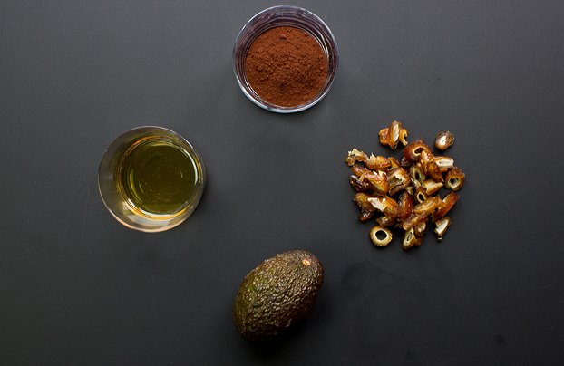 Avocado Chocolate Mousse - the healthy dessert that ticks all the right boxes | hurrythefoodup.com