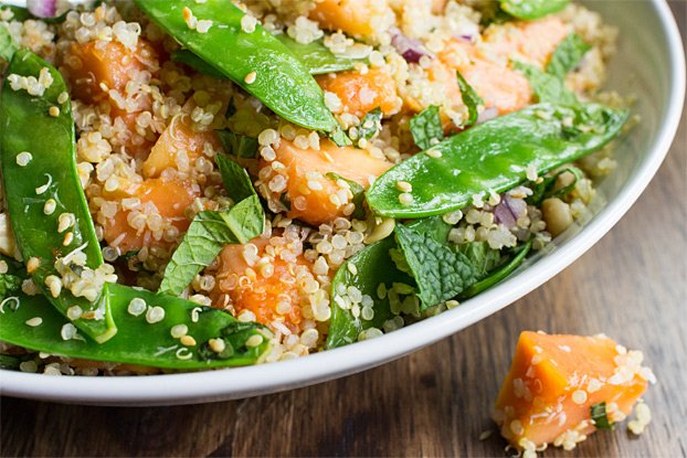 Thai Quinoa Salad - Tropical Vibes - thai quinoa salad ready to eat #low calorie #basil | hurrythefoodup.com