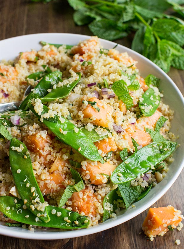 Thai Quinoa Salad - Tropical Vibes - thai quinoa salad ready to serve #quick #lemongrass | hurrythefoodup.com