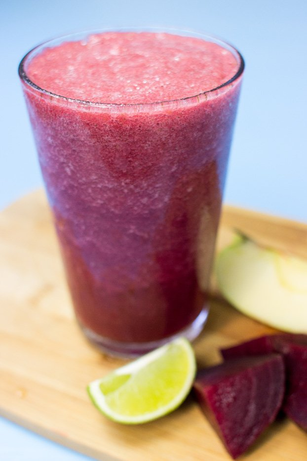 Beetroot Smoothie - Powerful yet Smooth(ie) - beetroot smoothie ready to serve #mint #easy | hurrythefoodup.com
