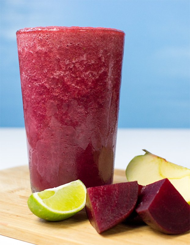 Beetroot Smoothie - Powerful yet Smooth(ie) - beetroot smoothie all ready to enjoy #vegetarian #apple | hurrythefoodup.com
