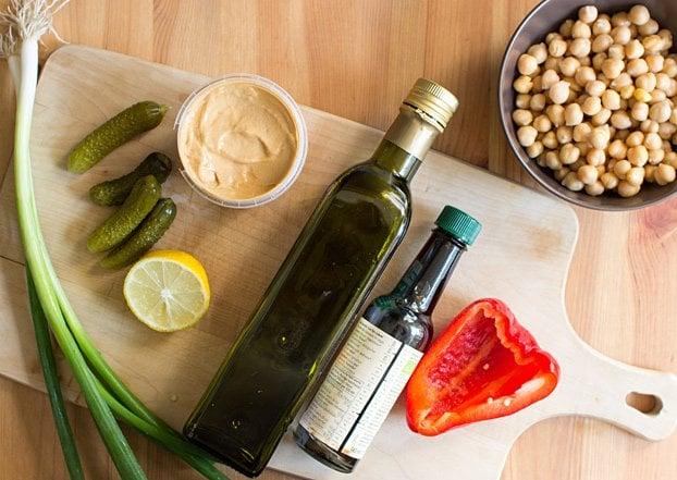 Vegan Tuna Salad - Seafood without the Sea - vegan tuna salad ingredients #vegan #salad   hurrythefoodup.com