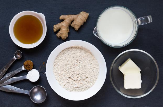 Gingerbread Pancakes - A Taste of Winter - gingerbread pancakes ingredients #vegetarian #cinnamon   hurrythefoodup.com