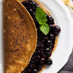 Gingerbread Pancakes - A Taste of Winter - gingerbread pancakes ready to eat #ginger #winter   hurrythefoodup.com
