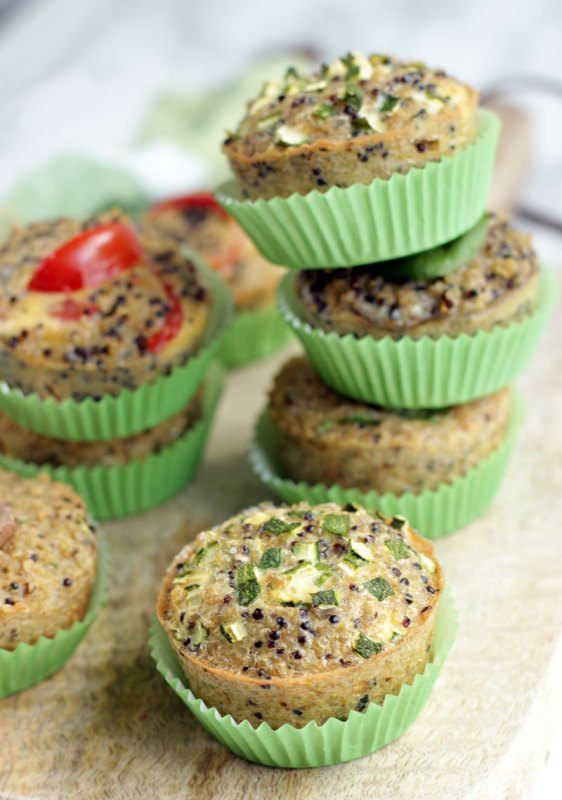 Quinoa Breakfast Muffins - 18 Vegetarian Breakfast Ideas | hurrythefoodup.com