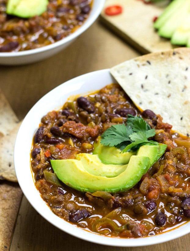Chili Sin Carne - 21 Vegetarian Dinner Recipes | hurrythefoodup.com