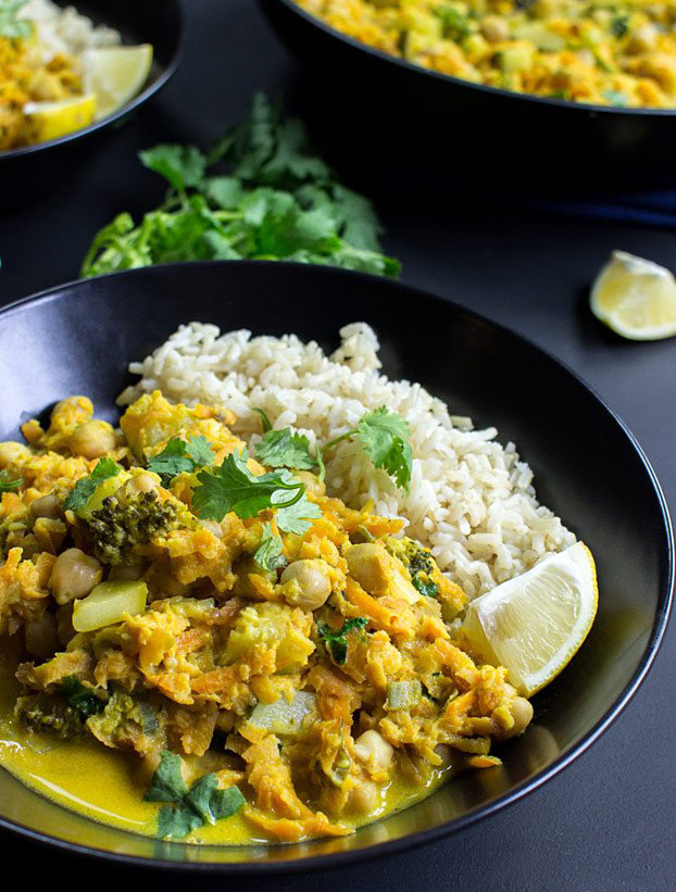 Coconut Curry - 21 Vegetarian Dinner Recipes | hurrythefoodup.com