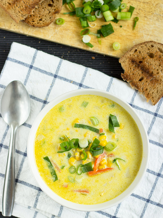 Spicy Corn Chowder - 21 Vegetarian Dinner Recipes | hurrythefoodup.com