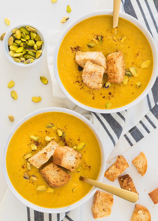 Golden Vegan Broccoli 'Cheese' Soup - 18 Vegan Winter Soups | hurrythefoodup.com