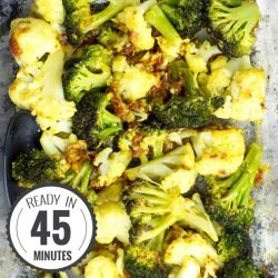Easy Roasted Broccoli and Cauliflower - Mediterranean-style | hurrythefoodup.com