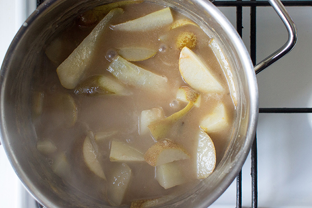 Supreme Pear Soup - and oh so easy - pears are cooking in the soup #pear #flour # butter | hurrythefoodup.com