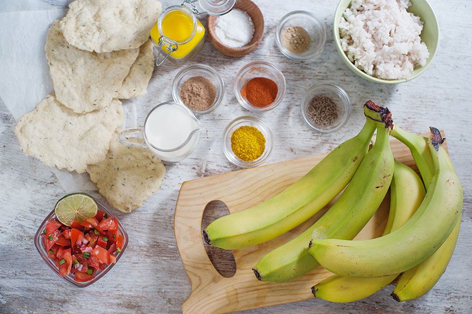 Banana Curry - without the slip ups - curry ingredients #banana #vegetarian | hurrythefoodup.com