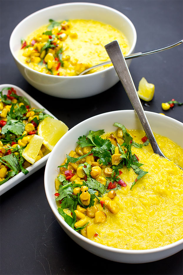 Asian-style Creamy Corn Soup - Vegan and super-quick - corn soup ready to serve #quick #vegetarian | hurrythefoodup.com
