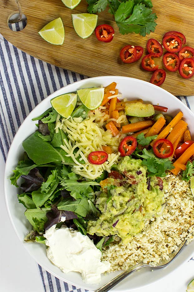 Low-carb Bowl of Desire #easy #vegan | hurrythefoodup.com