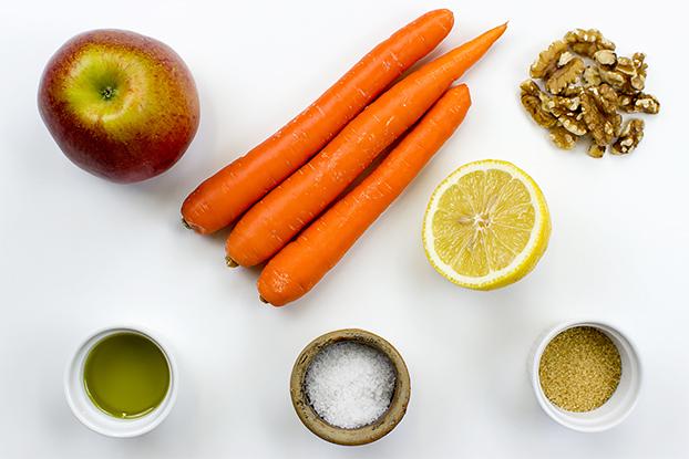 Refreshing Carrot and Apple Salad - Vegan, 6 ingredients - refreshing carrot apple salad ingredients   hurrythefoodup.com
