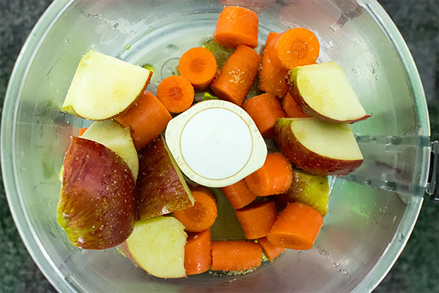 Refreshing Carrot and Apple Salad - Vegan, 6 ingredients - chop and blend all ingredients   hurrythefoodup.com
