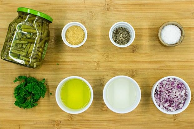 Easy Green Bean Salad - Naturally Vegan & Ready in 3 minutes - green bean salad ingredients #vegetarian #green beans | hurrythefoodup.com