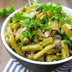 Easy Green Bean Salad - Naturally Vegan & Ready in 3 minutes - green bean salad ready to serve #pickled #parsley | hurrythefoodup.com