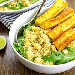 Heavenly Halloumi Salad – Curb Your Hunger | hurrythefoodup.com