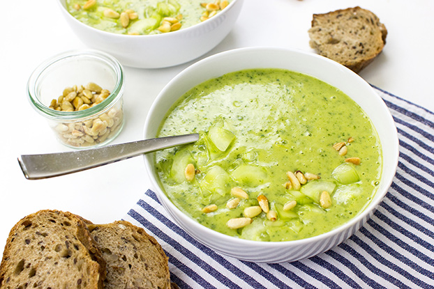 Rocket Soup / Arugula Soup – It's the food that counts - rocket soup serving #dijon pine nuts #oil | hurrythefoodup.com