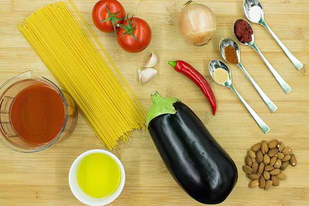Pasta Arrabiata – Spice Up Your Food Life - pasta arrabiata ingredients #vegetarian #pasta | hurrythefoodup.com