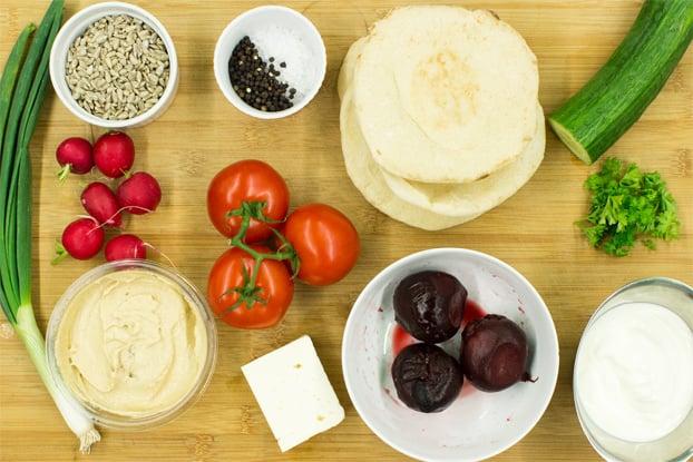 The Fulda ingredients #naan #tomatoes #quicklunch | hurrythefoodup.com