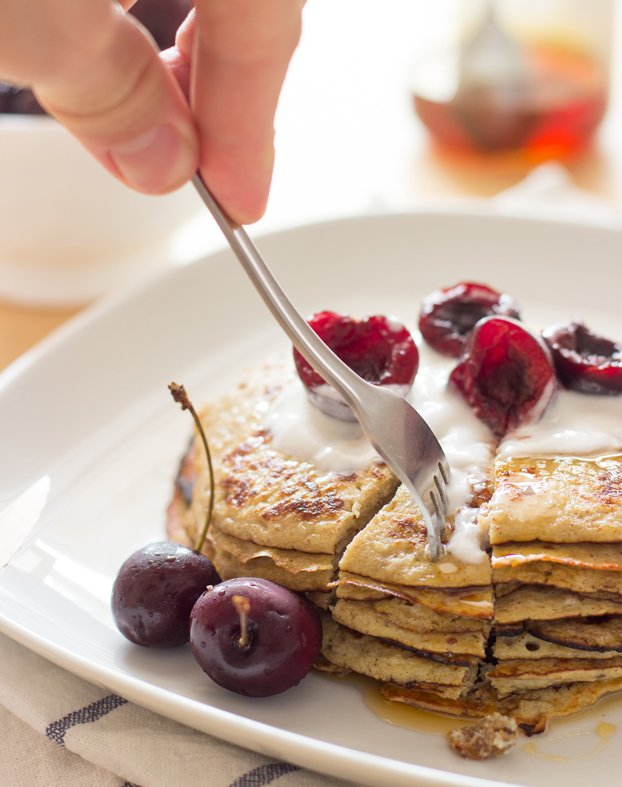 Easter Dinner, Lunch and Breakfast Ideas – Tasty and Stress-free - Banana-Egg Pancakes recipe | hurrythefoodup.com