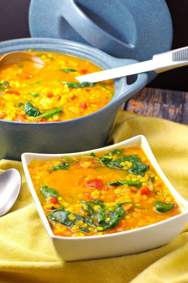 Red Lentil Spinach Soup - Vegetarian Weight Loss Recipes | hurrythefoodup.com