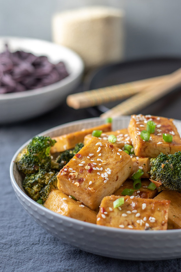 Sticky Sesame Tofu With Broccoli - High Protein Vegetarian Recipes | hurrythefoodup.com