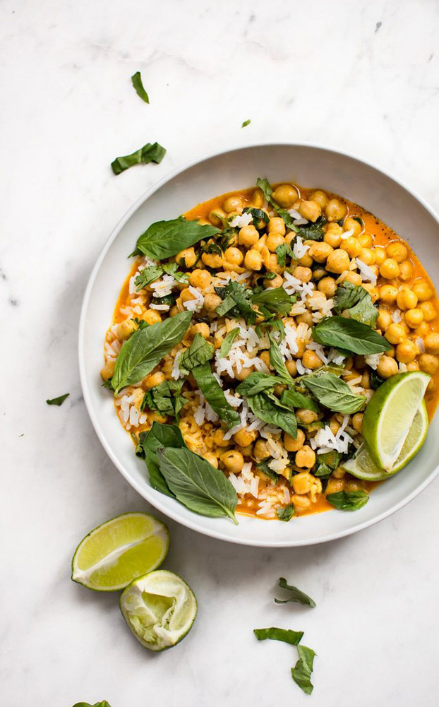 21 Vegetarian Curry Recipes - Chickpea Coconut Curry   hurrythefoodup.com