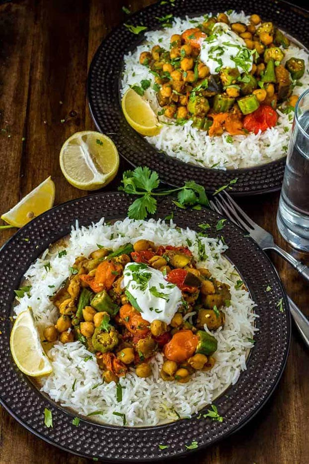 21 Vegetarian Curry Recipes - Curried Okra and Eggplant | hurrythefoodup.com