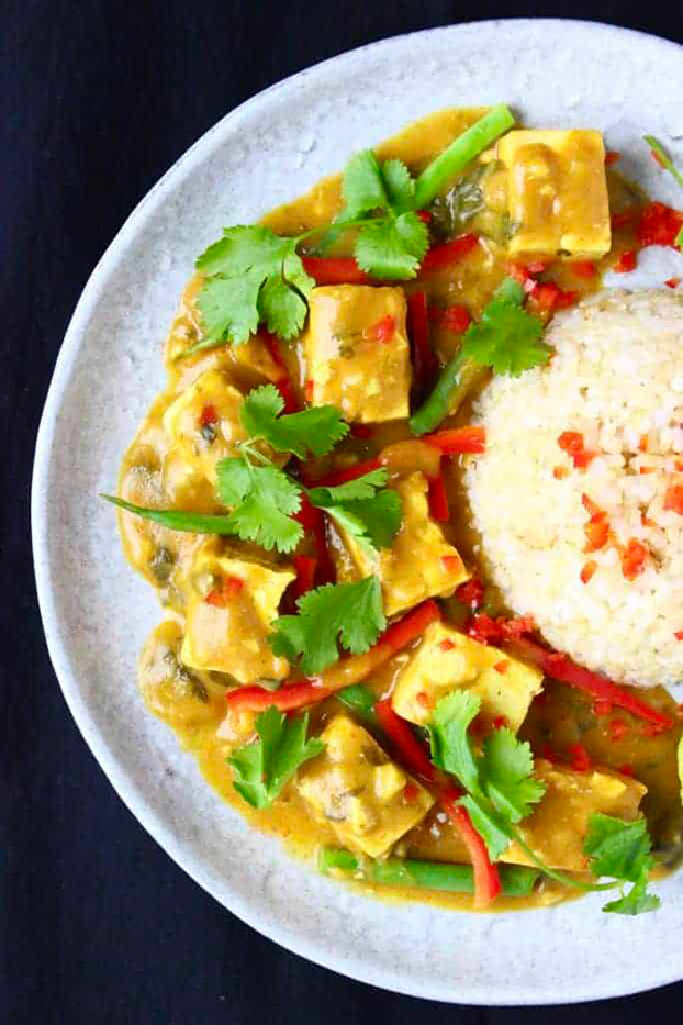 21 Vegetarian Curry Recipes - Peanut Tofu Satay Curry | hurrythefoodup.com
